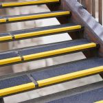 Antirutsch Kantenprofil - GFK, 230x2500x30mm, schwarz/gelb, schwarz/gelb bei extremer Beanspruchung, grobe Körnung