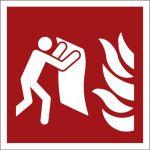 Feuerlöschdecke, mit doppelseitigem Klebeband rückseitig beklebt, Aluminium selbstklebend, EverGlow HI® 150, Brandschutzzeichen ISO 7010, 200 x 200 mm, 150mcd/m2